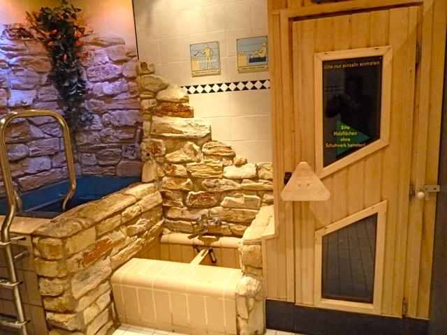 Schwimmbad besuch incl kompletter saunalandschaft