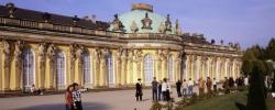 Potsdam, Schloss Sanssouci, obere Terrasse rechts schräg mit Per