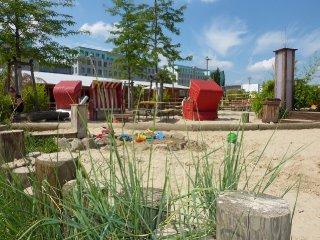 beachmitte-beachbar-spieplatz