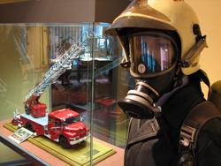 feuerwehrmuseum-berlin-drehleitermodell-henry-poritz-foto-stefan-straeubig-250
