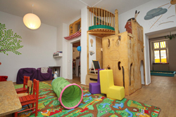knilchbar-kindercafe-berlin-friedrichshain-spielzimmer-gross