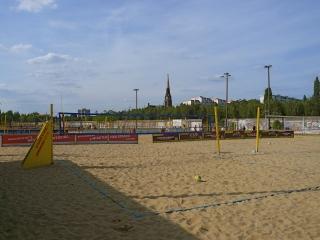 beach-mitte-berlin-beachvolleyballfelder-2