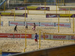 beachmitte-beachvolleyball-felder-berlin