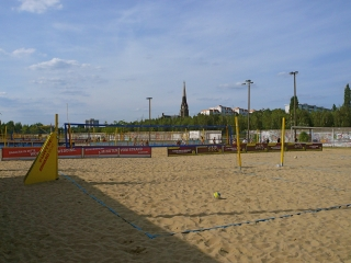 beach-mitte-berlin-beachvolleyballfelder-2