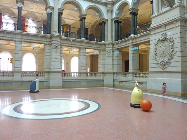 mitte-museum-fur-kommunikation-roboter-lichthof