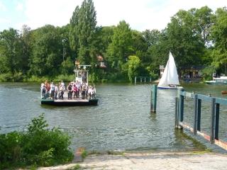 faehre-zur-pfaueninsel-berlin-wannsee