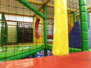 prenzlauer-berg-kindercafe-spielzimmer-soft-play-anlage-2