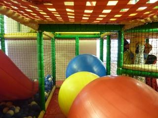 prenzlauer-berg-kindercafe-spielzimmer-soft-play-anlage