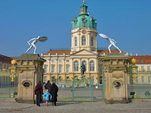 schloss-charlottenburg-berlin-eingang
