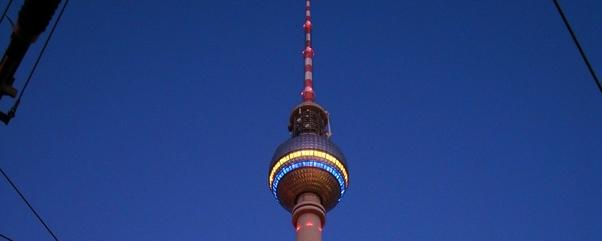 fernsehturm-berlin-nacht-galerie