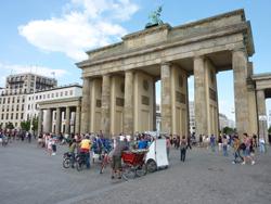 sommerferien-berlin-brandenburger-tor-klein