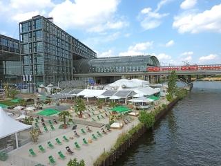 traumstrand-zug-strandbar-berlin-mitte