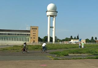 tempelhofer-park-freiheit-flughafen-tempelhof-10web