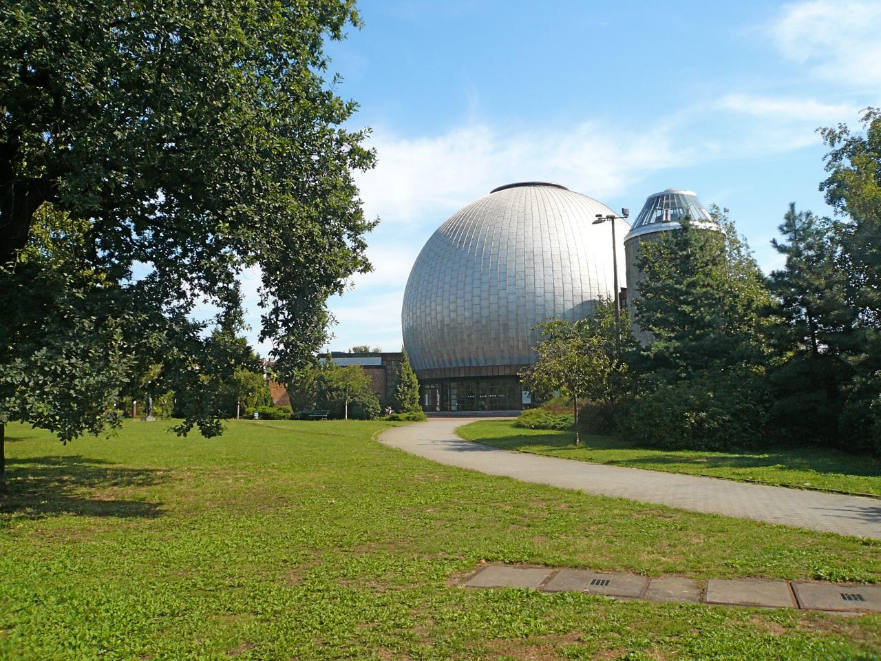 zeiss-grosplanetarium-berlin-prenzlauer-berg-weit