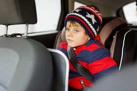 Auto Kindersitz im Winter