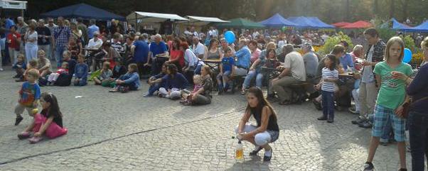 ruedi-net-sommerfest-berlin-ruedesheimer-platz