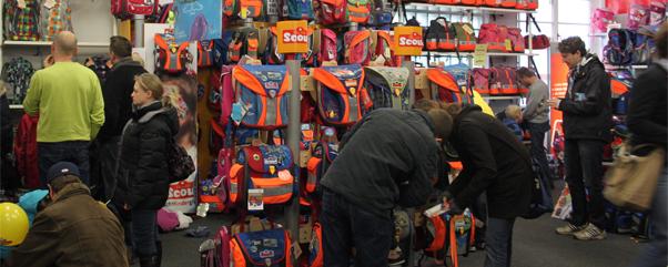 Ranzenfee und Koffertroll große SCOUT Schulranzenparty Artikel