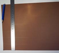 A4 Blatt wird mit Bleistift in sieben Streifen à 3 cm geteilt