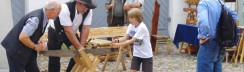 Familienfest Berlin-KunstStoffHolz–Aktionstage im Jagdschloss Grunewald-Schrotsäge-Artikelbild
