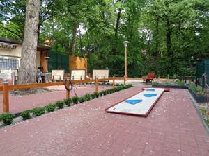 minigolf spandau ausflug nach spandau wilhelmstadt ytti. Black Bedroom Furniture Sets. Home Design Ideas