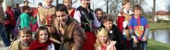 Schloss Britz Historisches Musik- und Gauklerfest Cocomedivale-Familienausflug