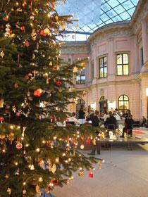 Adventskonzert, Wintermärchen, Weihnachtsführungen lädt das Deutsche Historische Museum mit der ganzen Familie ein.