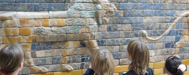 Kinderkurse Berlin Keramikkurs mit Jugend im Museum Babylon Marco Majer