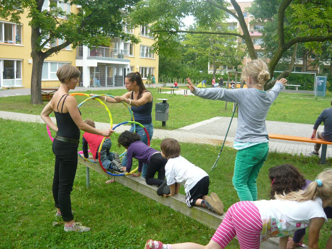 """Buntes Ferienprogramm """"Gesund und munter!"""" im Familienzentrum im Bucher Bürgerhaus"""