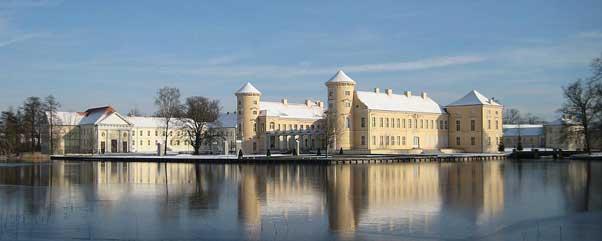 Schloss Rheinsberg: Stimmungsvolle Führungen für Familien - Kalte Füße, kalte Ohren – Könige haben auch gefroren!