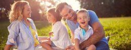 Wenn Du mit Deinen Kindern die Ferien zuhause verbringen möchtest, aber keine Langeweile aufkommen soll, haben wir ein paar schöne Beschäftigungsideen.