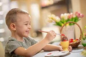 Spiel und Spaß in den Osterferien: So können Eltern mit ihren Kindern 2019 die Ferien verbringen
