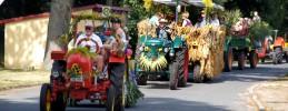 30-erntefest-maulbeerwalde-traktorenparade-Artikel