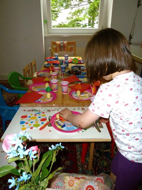 kindergeburtstag tisch dekorieren ytti. Black Bedroom Furniture Sets. Home Design Ideas