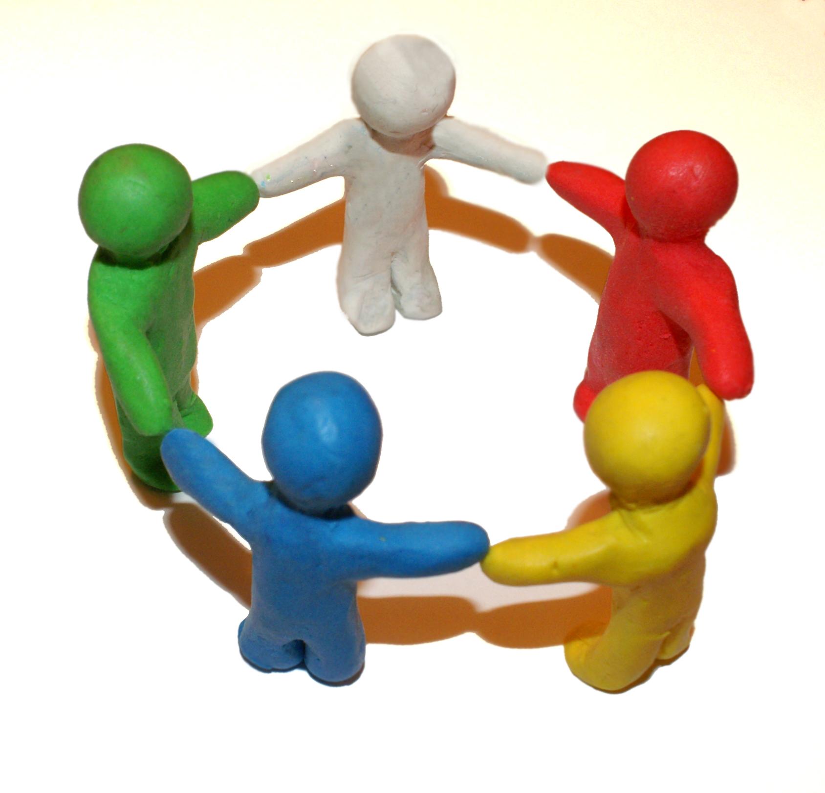 ... die Community: Chat, Dating, Online-Spiele - Lern neue Freunde kennen
