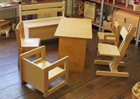 Holz Kindermöbel und Holzspielzeug im Spielzeugladen Katalka Berlin Prenzlauer Berg