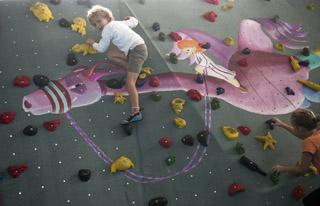 Kletterausrüstung In Berlin Kaufen : Klettern in berlin bouldern bei berta block pankow ytti